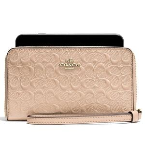 NWT Coach Phone Wallet In Signature Patent Leather